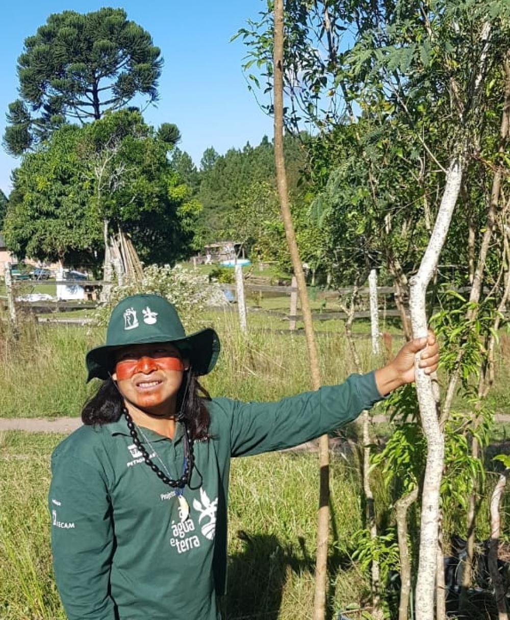 Projeto Ar, Água e Terra: Vida e Cultura Guarani realizou plantio em aldeia indígena em Porto Alegre no Dia Internacional das Florestas