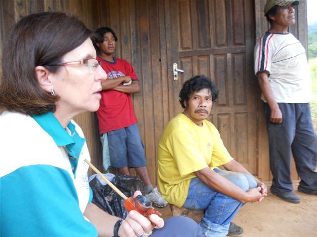 IECAM auxilia líderes guarani na divisão de tarefas dentro das aldeias