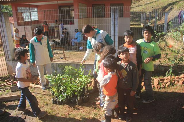 Horto Florestal de Tramandaí doa mais mudas ao projeto